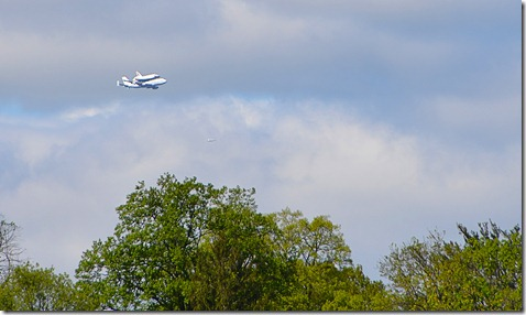 shuttle fly-by2