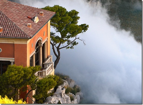 Bellagio pond fog
