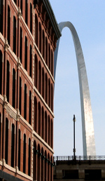 Arch_and_building2
